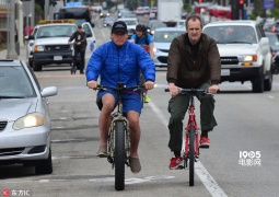 71岁施瓦辛格老当益壮 心脏手术恢复良好酷爱骑车