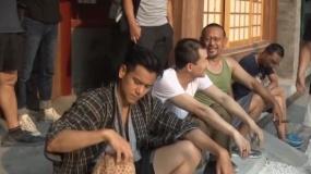 《邪不压正》发布花絮 廖凡即兴发挥姜文笑的停不下来