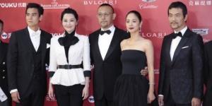 姜文携评委会揭幕上影节 李易峰推介《动物世界》