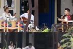 当地时间6月21日,在法国科尔马历时20多天录制的《中餐厅2》宣布杀青,最后一波路透照也在网上流转。