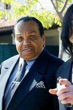 杰克逊父亲生前多次出轨 婚外情25年还有私生女