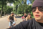 7月11日,昆凌在社交平台上传了一则视频。画风高甜现实版《简单爱》。