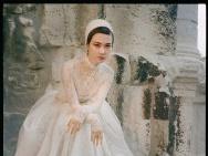李宇春《VOGUE》银十封面公布 完美诠释梦幻浪漫