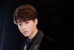 9月6日,王俊凯工作室曝光了一组活动花絮照。据悉,王俊凯受邀出席ELLE 30周年风尚大典,并走上云间红毯。
