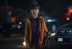 由由二十世纪福斯出品、《钢铁侠3》导演沙恩·布莱克执导的好莱坞科幻动作冒险d8899尊龙娱乐游戏《铁血战士》已经正式宣布定档10月26日登陆内地院线。近日片方趁热发布一支角色新预告,人类最疯小队集结悍将猛士,英勇面对外星猎手的入侵。