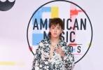 当地时间10月9日,吴亦凡受官方邀请亮相2018全美音乐奖(2018 American Music Awards)红毯。