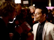 《波西米亚狂想曲》伦敦首映礼 马雷克表演获好评
