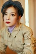 赵薇亮相VogueFilm盛典 复古工装造型展时尚态度