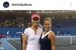齐布尔科娃出演《李娜传》 合影李娜还原澳网决赛