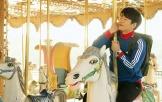 《进击的男孩》发布插曲《走在冷风中》MV
