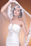 迪丽热巴早年婚纱照写真曝光 复古波浪发似混血