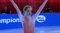 《冰上圆舞曲》蕾西表现惊艳全场