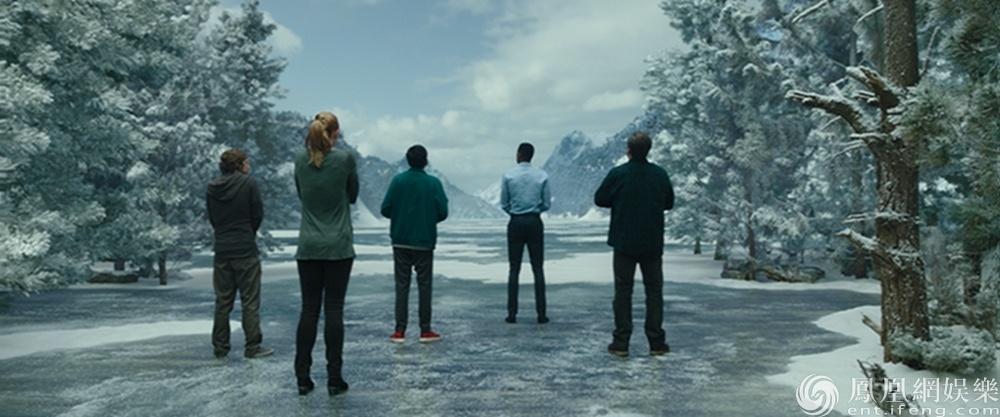 电影《密室逃生》首发预告 六人成团疯玩解谜
