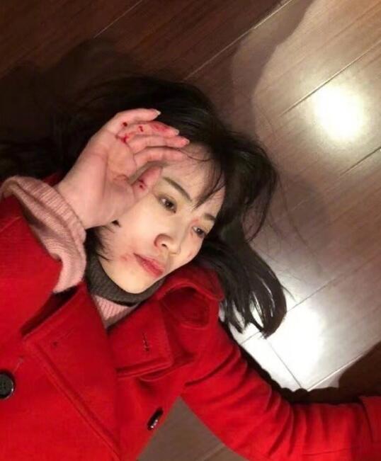 [独家]王宝强律师:马蓉带剪刀闯入 吓晕