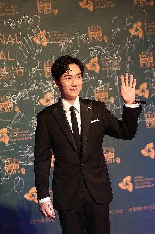 王宝强风波后亮相海南岛电影节 朱一龙、张震斗帅