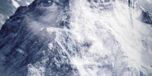《北极》曝光预告 麦斯·米科尔森极地孤单求生