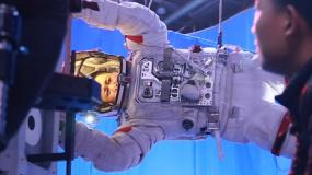 《流浪地球》曝意义特辑 排除万难挑战中国科幻