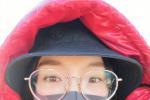 紅紅火火! 唐嫣穿紅衣曬素顏自拍照大眼吸睛
