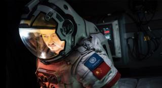 《流浪地球》超越《复联3》 进入中国票房榜前十