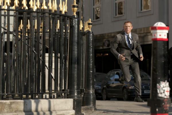 好莱坞大片《速度与激情9》《邦德25》双双调档