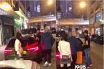 """方媛挺孕肚跟郭富城吃宵夜 """"天王""""豪车抢眼!"""