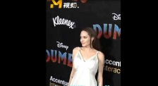 迪士尼真人CG电影《小飞象》首映礼 安吉丽娜·朱莉携子助阵