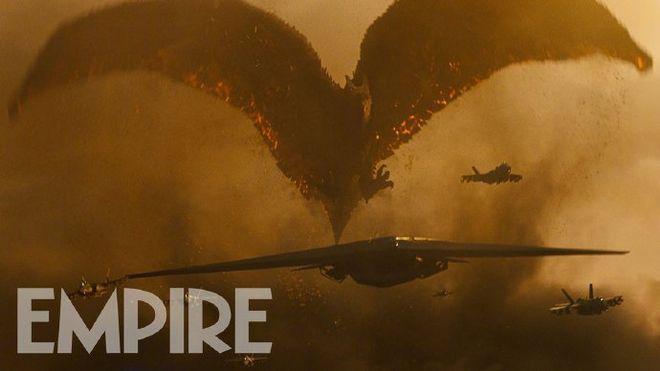 """《哥斯拉2:怪兽之王》新剧照 """"拉顿""""摧毁战机"""
