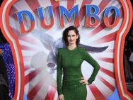《小飞象》伦敦首映礼 伊娃·格林绿裙成全场焦点