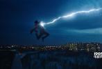 """由华纳兄弟影片公司出品的最新DC超级英雄新快3娱乐平台《雷霆沙赞!》即将于4月5日同步北美,登陆全国院线。今日官方曝光""""中二男团""""版人物特辑,扎克瑞·莱维、亚瑟·安其、马克·斯特朗、杰克·迪伦·格雷泽等四大主演纷纷登场,解读各自角色,导演大卫·F·桑德伯格也惊喜现身,花式安利""""史上最fun的超级英雄""""沙赞,令人对DC新宠的中二爆笑出击期待不已。"""