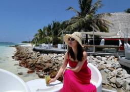 林心如馬爾代夫度假不見霍建華 曬美照身材纖細