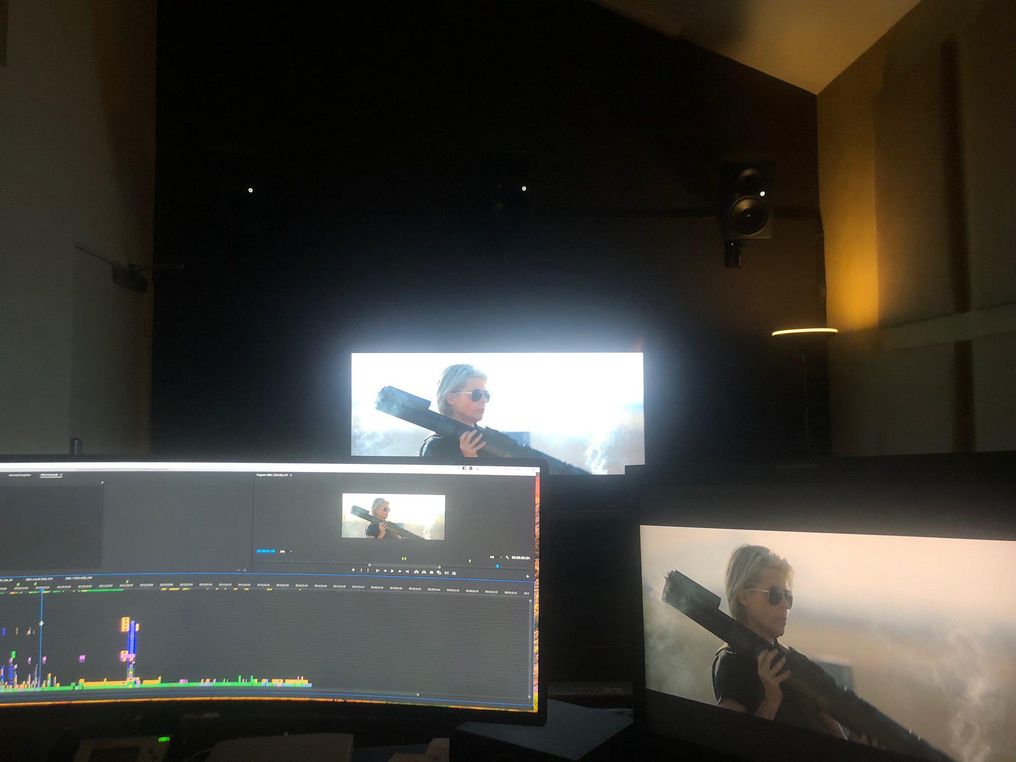 《终结者6》曝光幕后照 女主角举火箭筒威风凛凛