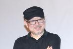 """青年导演杨明明自导自演的第一部长片作品《柔情史》5月15日在北京举行首映。影片以纪录式的视角出发,展现了北京胡同中一对母女相互""""伤害""""又相依为命的真实生活。当天,杨明明携片中母亲的扮演者耐安,本片监制、《长江图》导演杨超及张献民、黄卫等主创亮相,戴锦华、韩杰等嘉宾也到场助阵。"""