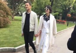 李亚鹏女友街头唱歌曝近照 网友:还是王菲那一款