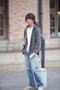 劉昊然《雙生》今日上映 長發造型被調侃像姑娘