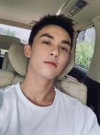 吴磊新剧《穿越火线》开机! 短发造型帅气清爽