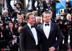 《好莱坞旧事》首映红毯 皮特和小李子蜜意对视