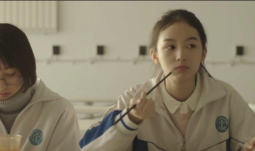 《少年的你》曝角色海报 新人周也银幕首作引期