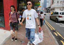 畢瀅點贊暗諷洪欣微博:宮斗大戲 香港女人真厲害