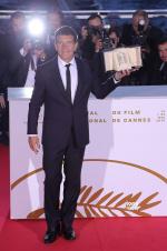 戛纳Day12:阿莫多瓦失金棕榈 班德拉斯获表演奖