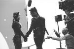 淚目!《復聯4》片場照重現黑寡婦和鷹眼告別時刻