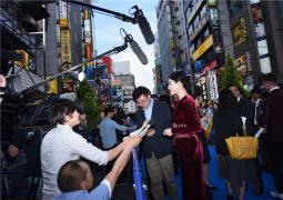 連軸轉!《哥斯拉2》日本首映 章子怡現身狀態好