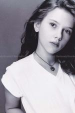 實力演繹從小美到大!斯嘉麗·約翰遜11歲照片曝光