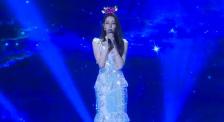 迪麗熱巴生日會演唱《追光者》 甜美的嗓音令人難忘!