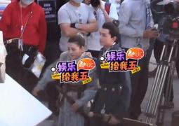 网曝吴磊宋祖儿《山海经》拍摄路透 CP感有点甜!