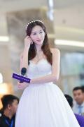 林志玲宣布结婚!昔日穿婚纱凹造型美到没朋友