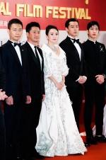 第22届上海电影节开幕 吴京章子怡推介《攀登者》