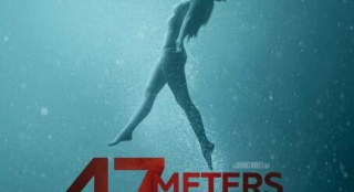 《鲨海47:猛鲨出笼》曝预告 史泰龙女儿遇巨鲨