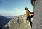 《徒手攀岩》曝幕后特辑 高难度拍摄挑战极限巅峰