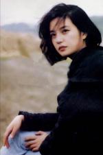岁月走过不留痕迹?网友发现赵薇21年后美貌依旧