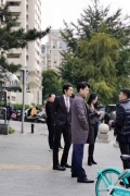 神仙组合! 网友北京街头偶遇胡歌靳东姚晨等同框